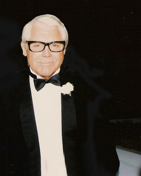 Cary Grant 2008 (cropped)