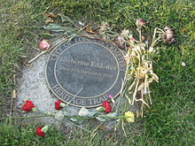 Catherine Eddowes grave at City of London Cemetery.jpg