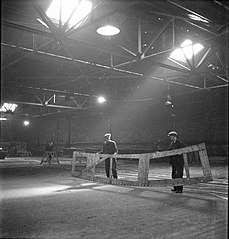 Cecil Beaton Photographs- Tyneside Shipyards, 1943 DB88.jpg