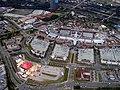 CentrO-Gesamtansicht - im Hintergrund der Gasometer - 2007-08-13 - panoramio.jpg