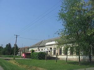 Čestereg - Image: Cestereg school