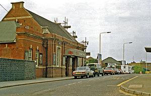Chadwell Heath railway station - Chadwell Heath station building in 1988