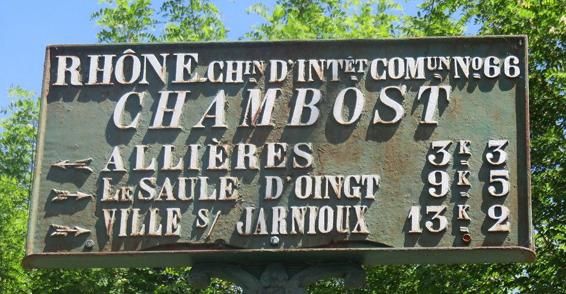 Plaque de cocher à Chambost (commune de Chambost-Allières), dans le Rhône.