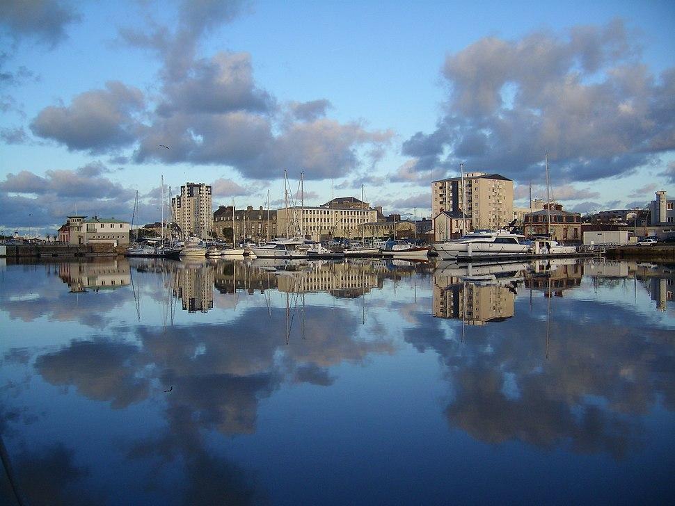 Cherbourg, Bassin de commerce sous le soleil d%27hiver (1)