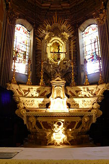 L'altare maggiore della chiesa parrocchiale di San Giacomo di Rupinaro