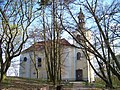 Chuchle, kostel sv. Jana Nepomuckého, od severu.jpg