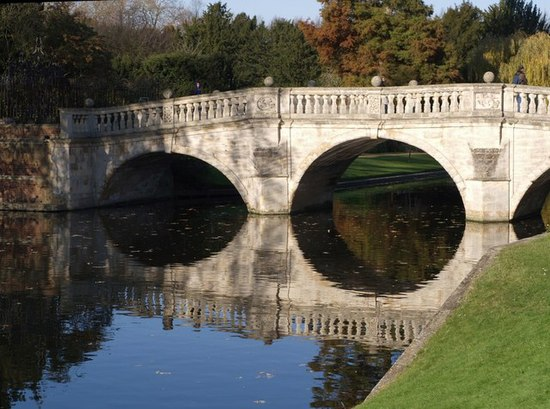 Clare College Bridge - geograph.org.uk - 615505.jpg