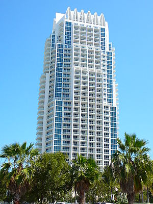 Continuum on South Beach - Image: Continuum Tower north South Beach