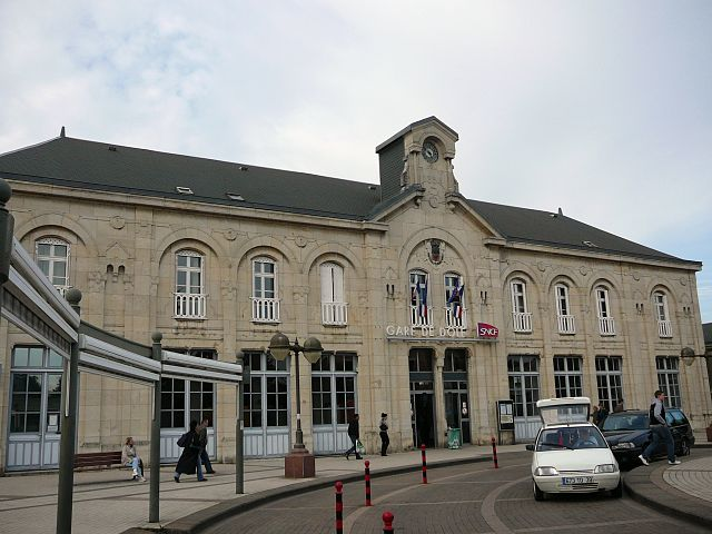 Dole-Ville railway station