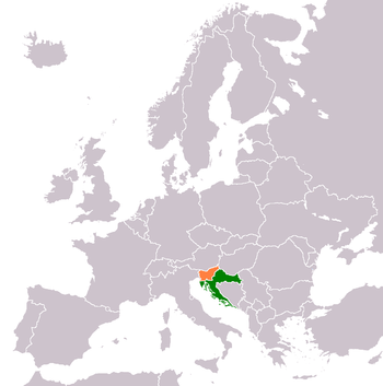 Gray map of Europe, with Croatia in green and Slovenia in orange