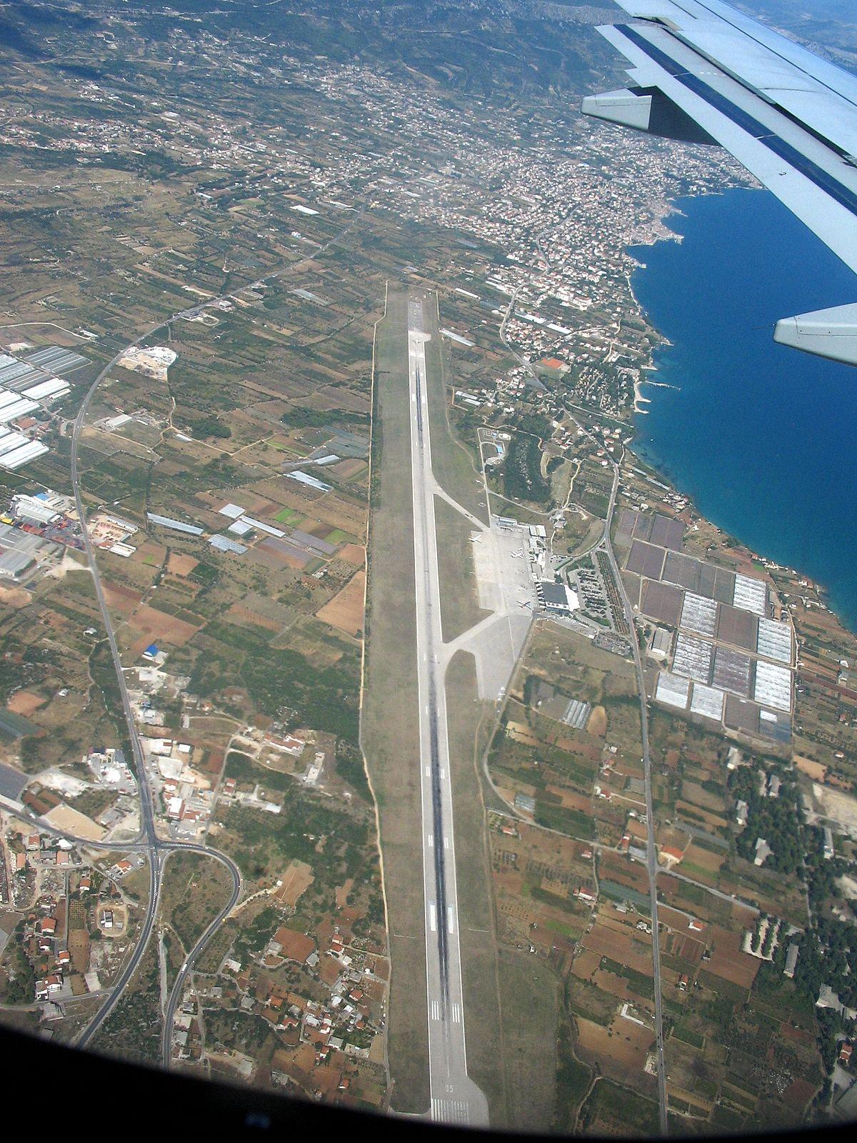 1 Hr Photo >> Aeropuerto de Split - Wikipedia, la enciclopedia libre