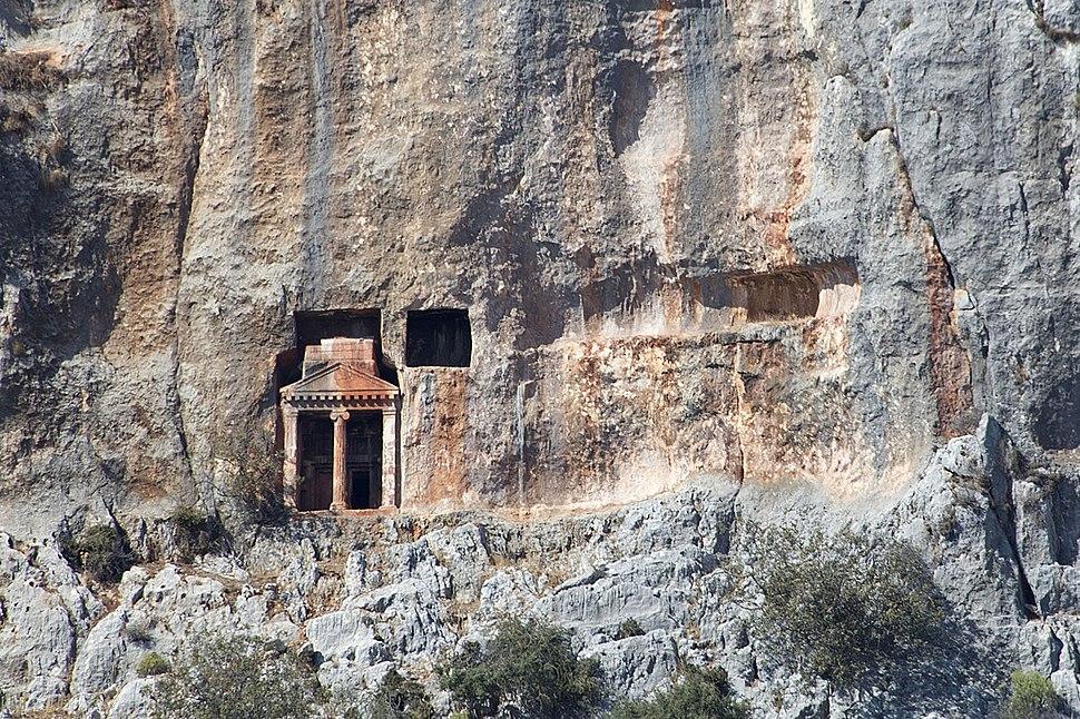 Cyaneae Rock graves 0215crop