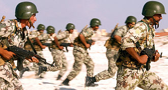 AKM - Egyptian soldiers in training with Egyptian-made Misr rifles