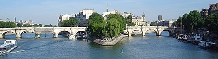 The Seine becomes a single channel at the west end of the Ile de la Cite in Paris. The Pont Neuf can be seen. DSC00679 Ile de la Cite.JPG