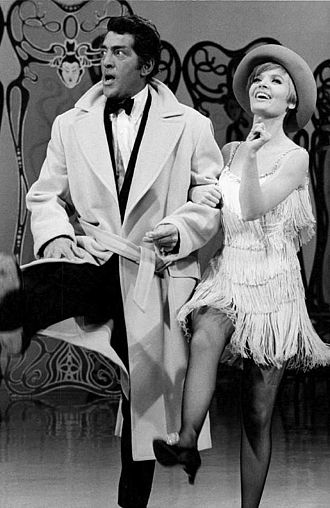 The Dean Martin Show - Martin with guest Florence Henderson, 1968.
