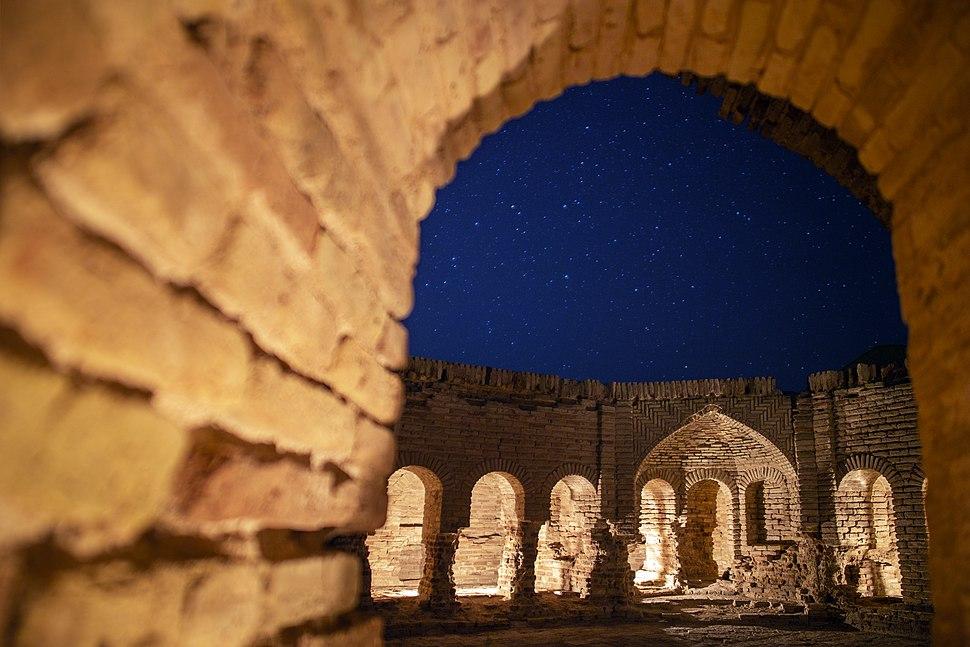 Deire Gachin Caravansarai - Sasanian dating - Iran. Qom Province - Dayr-e Gachin 01