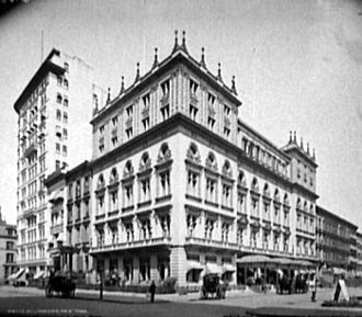 Delmonico's - Delmonico's restaurant at the corner of 5th Ave. and 44th St. in 1903