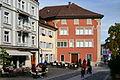 Der 'Engelplatz' in Rapperswil mit dem markanten 'Haus zum Alten Sternen' am Standort des ehemaligen gleichnamigen Stadttores 2012-10-16 15-14-01.jpg