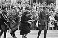 Dodenherdenking bij het Nationaal Monument op de Dam, koningin Juliana en prins , Bestanddeelnr 919-1100.jpg