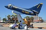 Douglas A-4B Skyhawk '142675 1' (40349118514).jpg