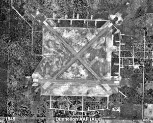 Dunnellon/Marion County Airport - Dunnellon Airport's three runways shortly after WWII (1949).
