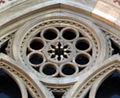 Duomo di firenze, medaglioni intarsiati in marmi nei timpani delle finestre sui fianchi 14,1.jpg