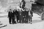 ETH-BIB-Gruppe vor Flugzeug-Inlandflüge-LBS MH05-73-38.tif