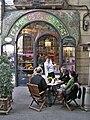 Edifici d'habitatges i antiga Casa Figueres (Barcelona) - 1.jpg