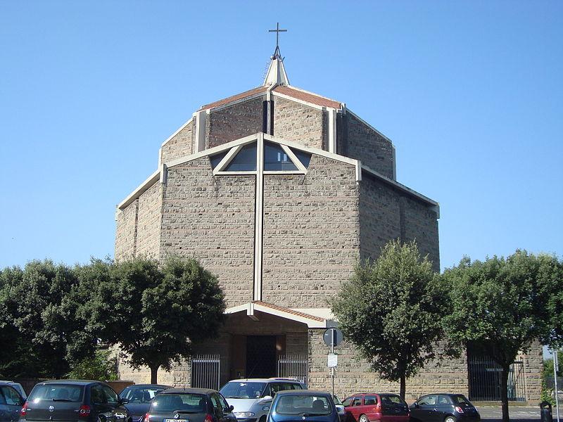 Eglise San Policarpo.JPG
