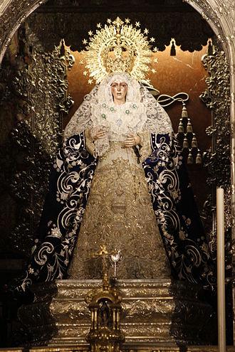 Virgin of Hope of Macarena - Image: Esperanza Macarena Basílica de La Macarena Seville (7)
