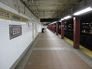 Delancey Street/Essex Street (New York City Subway) - Westbound platform