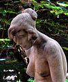 Estatua de mujer en el Jardín 3 (2).jpg