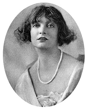 Estelle Winwood - Estelle Winwood in 1920