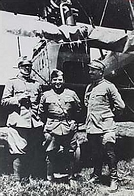 F.H.LaGuardia in front CaproniCa.44 bomber