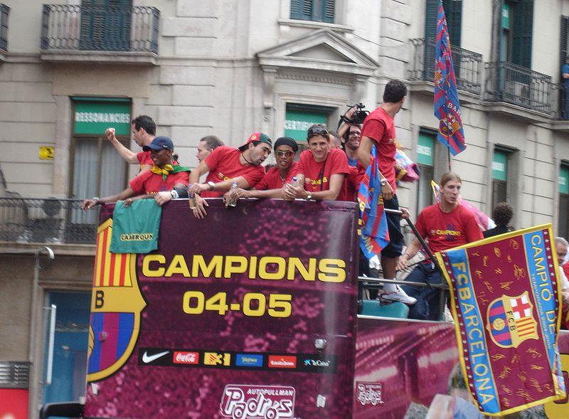 File:FC Barcelona - Celebración Champions 2005 (Rua por Barcelona) - 005.jpg