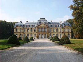 Castle of Champlâtreux