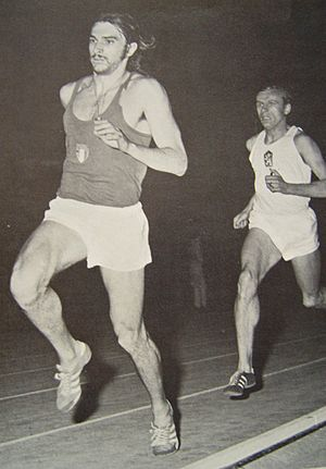 Marcello Fiasconaro - Plachý chasing Fiasconaro on 27 June 1973 in Milan