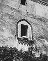 Fig 158, castello di gattico, finestra della torre di cinta, p232, foto Nigra, nigra il novarese.jpg