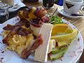 Flickr - cyclonebill - Røræg, bacon, chilipølser, ost, parmaskinke, salat, yoghurt og frugt.jpg