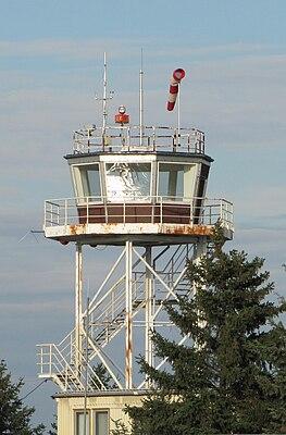 Flugplatz Großenhain-Kontrollturm.jpg
