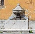 Fontana in Piazza Moretto a Brescia.jpg