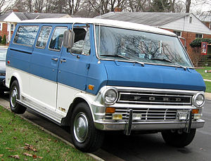 Ford E-Series - 1972–1974 Ford Club Wagon