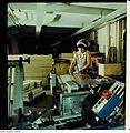 Fotothek df n-35 0000016 Facharbeiter für buchbinderische Verarbeitung.jpg