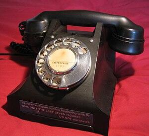 Retrotronics - UK 300 series telephone