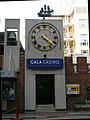 Gala Casino Clock, Imperial Hotel, Southampton Row, London WC2 - geograph.org.uk - 398537.jpg