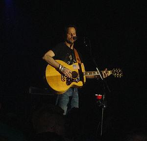 Gary Allan - Gary Allan performing in 2006