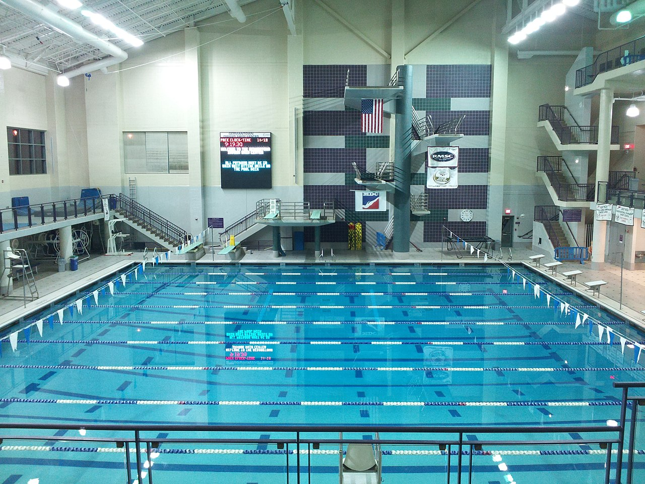 File Germantown Indoor Swim Center 1 Jpg Wikimedia Commons
