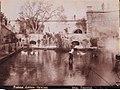 Gloeden, Wilhelm von (1856-1931) - n. 0084 B recto - Fontana Aretusa - Siracusa.jpg