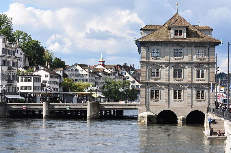 File:Gmüesbrugg - Schipfe - Rathaus Zürich - Münsterbrücke 2010-08-31 16-40-24.JPG