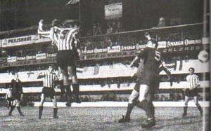 1968 Intercontinental Cup - Marcos Conigliaro scored the first goal of the series in Buenos Aires.